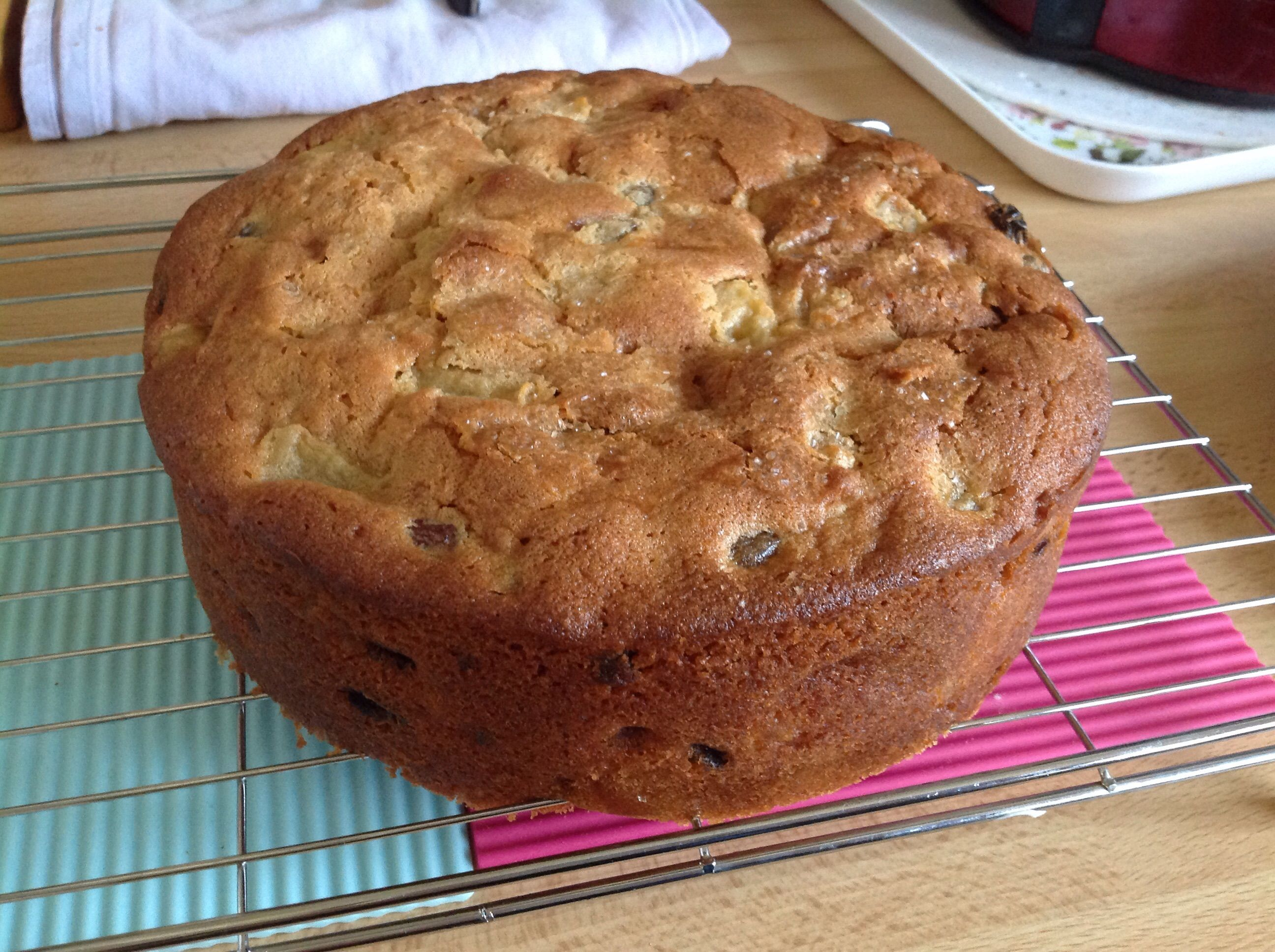 Low fat apple and sultana cake recipe