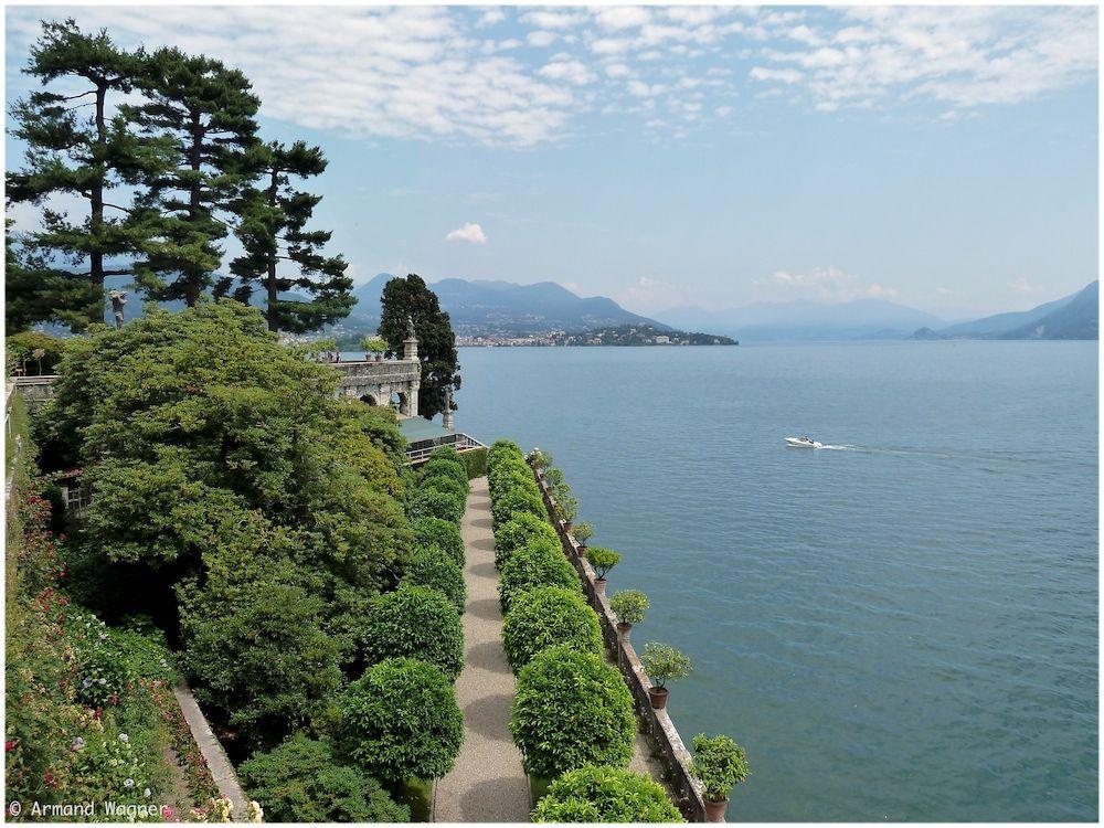 im Lago Maggiore (I)   ein paar Postkartenfotos werdet ihr noch über   euch ergehen lassen müssen :-)   http://de.wikipedia.org/wiki/Isola_Bella_(Lago_Maggiore)