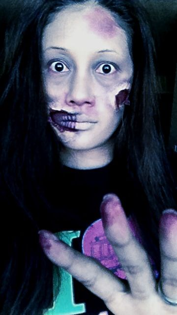 Zombie Fied Diy Makeup Using Elmer S Glue And Toilet Paper For Wounds Rest Is I