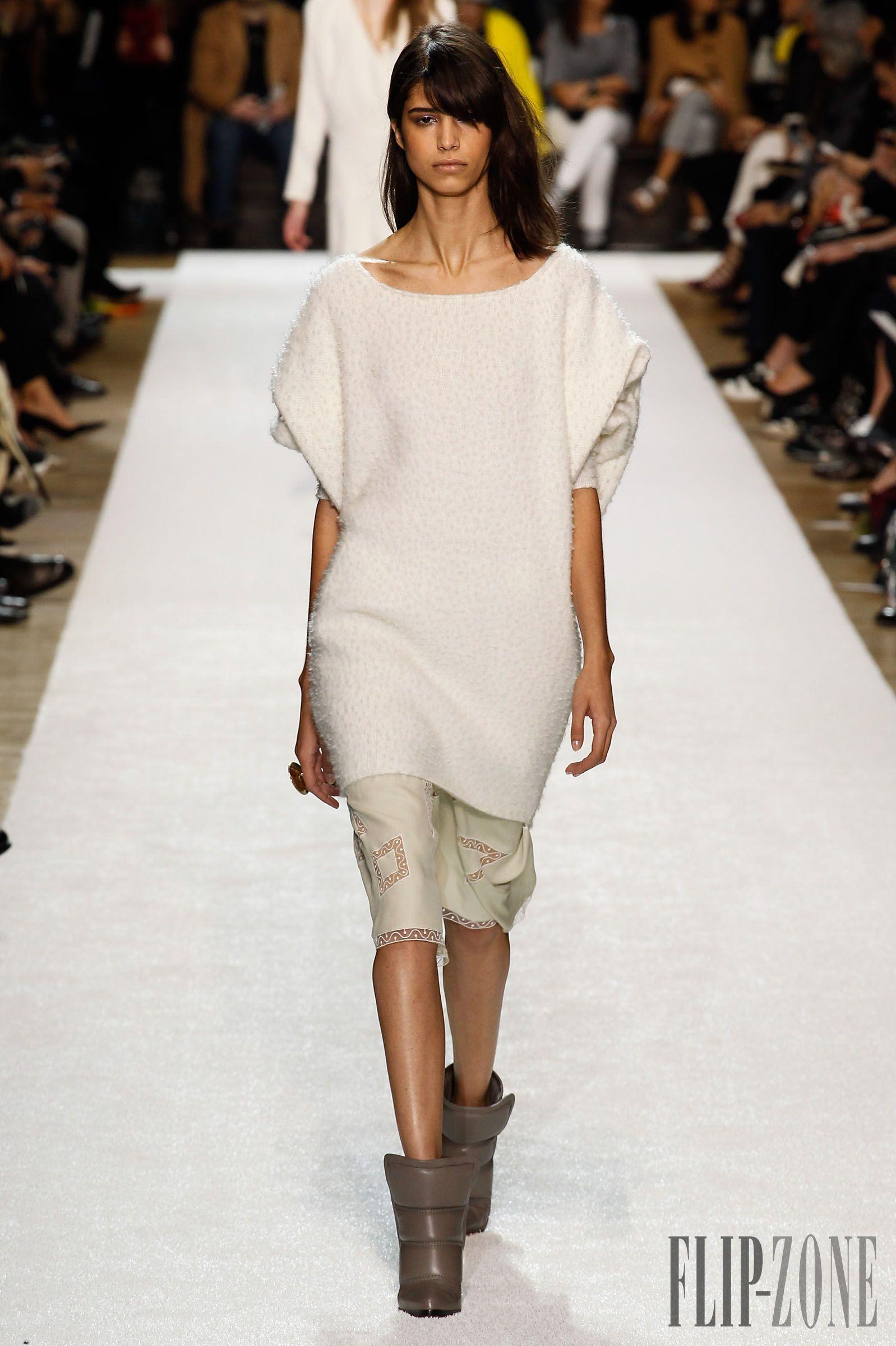 Chloé Fall-winter 2014-2015 - Ready-to-Wear - http://www.flip-zone.net/fashion/ready-to-wear/fashion-houses-42/chloe-4643 - ©PixelFormula