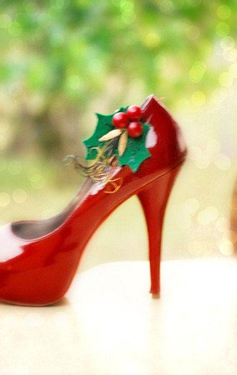 acdb476c7c17 Red   Kelly Green Shoe Clips   Hair Pins. Winter Christmas Wedding ...