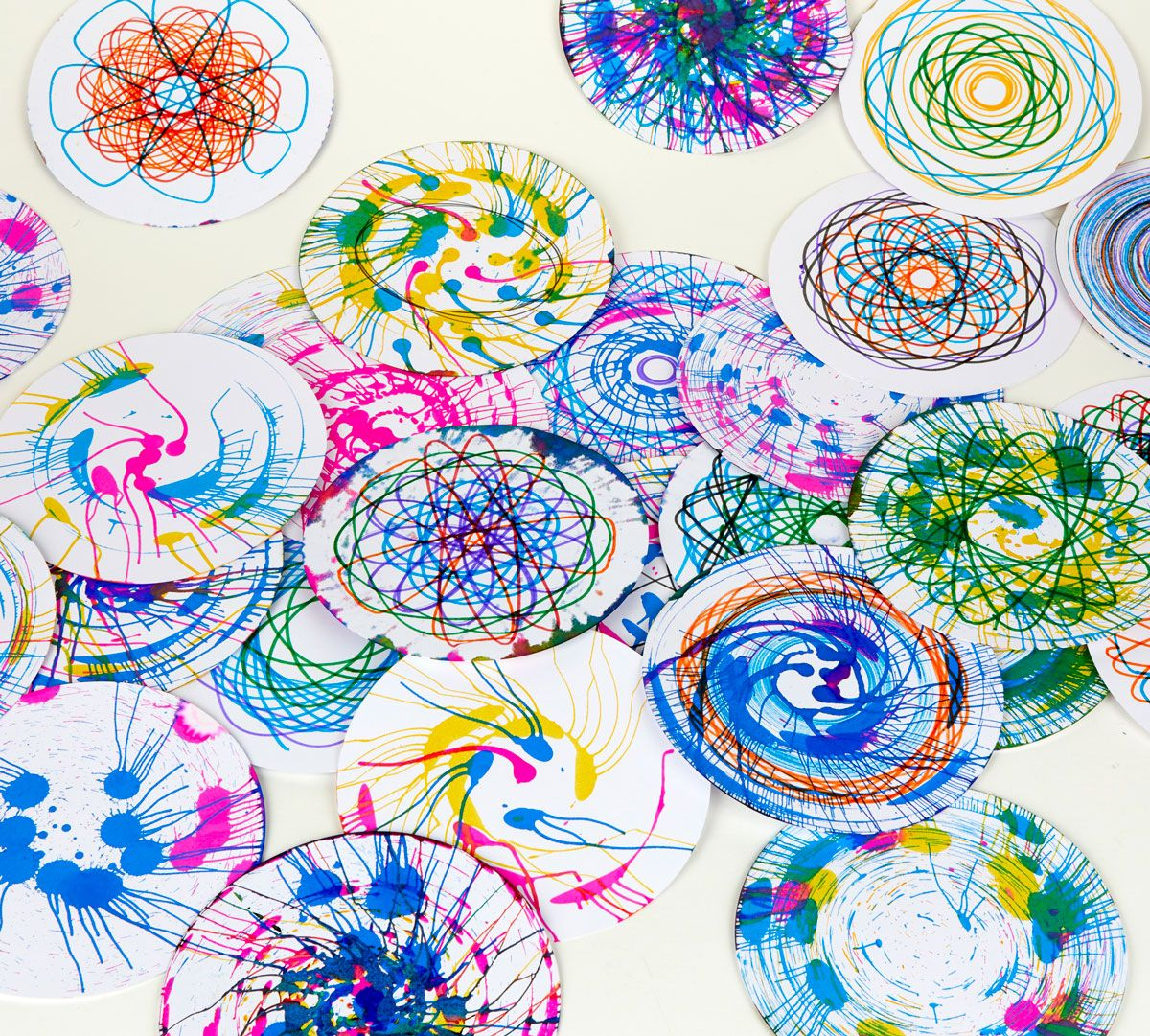 Spin Spiral Refill Set 50 Paper Discs Crayola Com Crayola In 2020 Spiral Art Art Kit Crayola Crafts