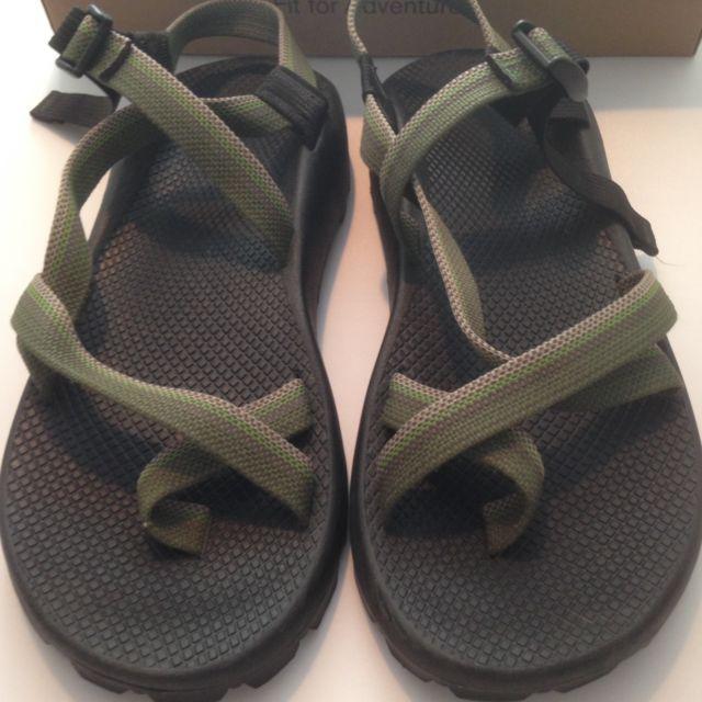 e05759ad6664 CHACO Mens Z 2 Unaweep Sandals Sz 12 Green Grey Toe Loop Hiking Water w Box  EUC