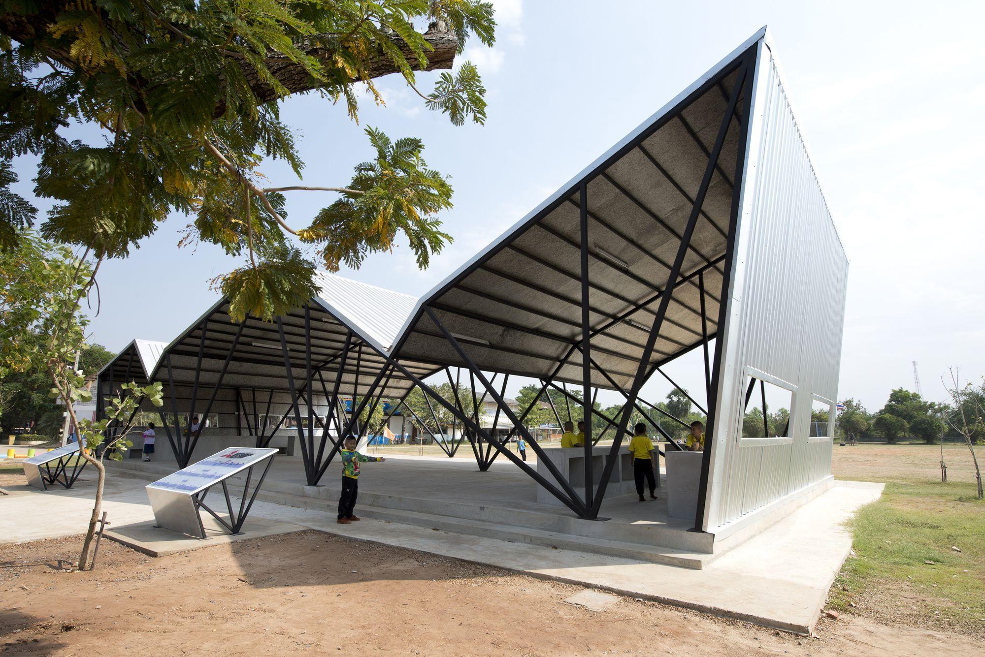 Comedor de la escuela comunitaria chonnabot inda design for Programa diseno exteriores