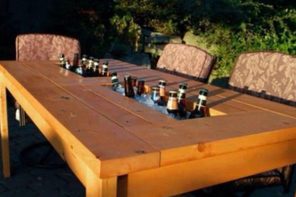Tisch Mit Kuhlfach Diy Terrasse Terrassen Tische Gartentisch