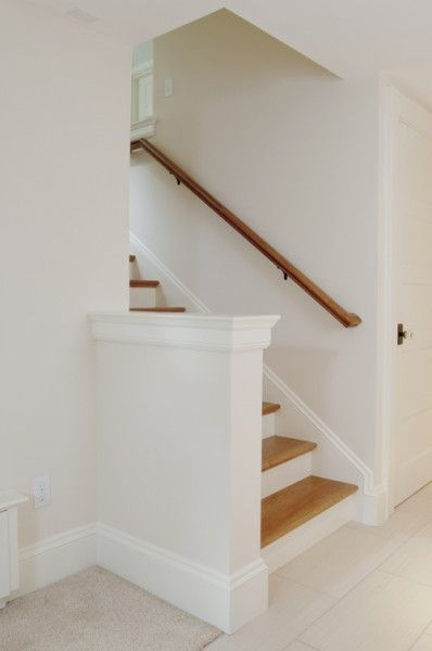 Basement Stair Landing Decorating: Enclosed Stair Staircase