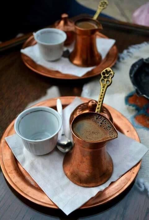 قد نختلف في اللغات و اللهجات الفكر و السياسة الثقافة والفن لكن يجمعنا عشق ٠القهوة طعم ٠القهوة فنجان ٠القهوة Coffee Tea Turkish Coffee Chocolate Tea
