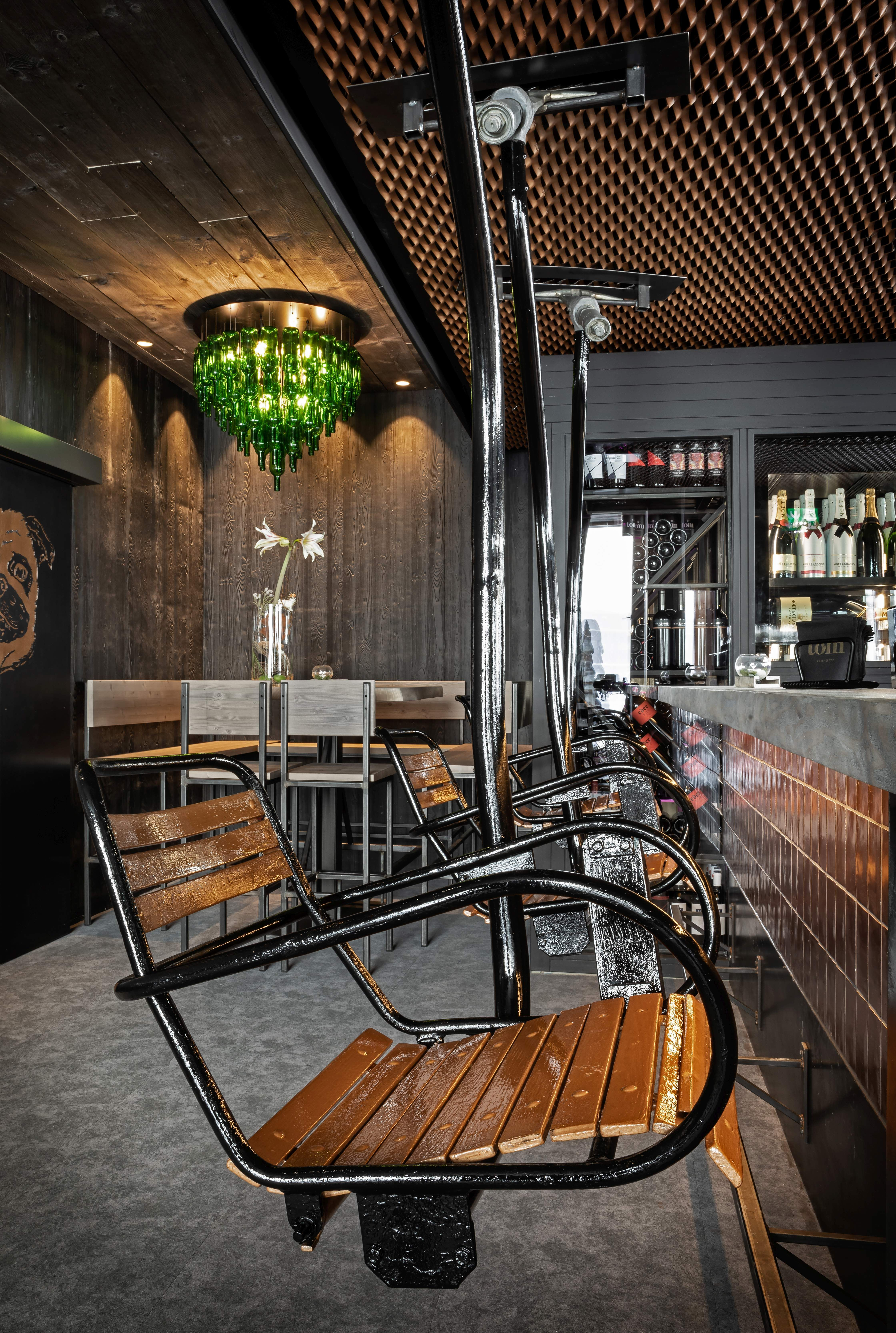 Tom Almhutte For This Austrian Restaurant Bar And Chalet We Provided The Central Counter Made Fro Modern Mountain Home Restaurant Interior Design Bar Design