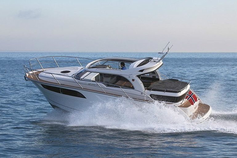 Marex 320 Acc Boat Motor Boats Cabin Cruiser