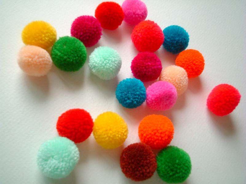 200 Pieces Craft Pom Poms DIY Accessories Small Balls Mini Craft Decoration