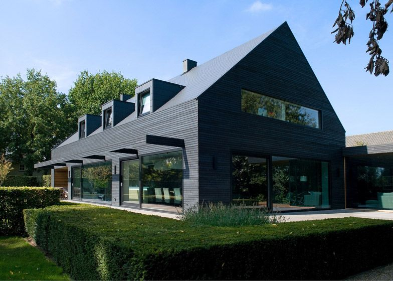 house in the netherlands upgraded with a dark grey cladding of timber panels and tiles - Buro Zu Hause Mit Seestuckunglaubliche Bild
