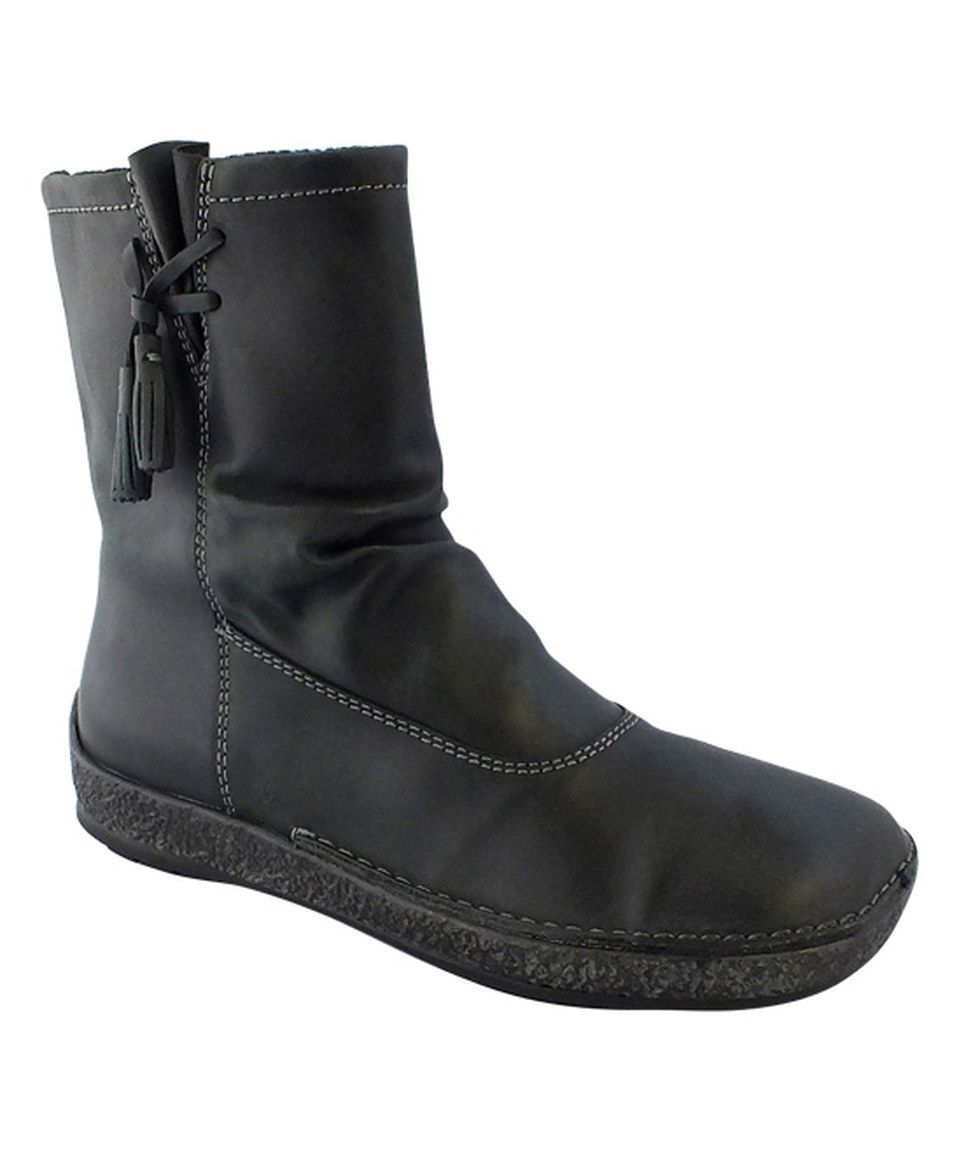 Loving this groundhog Black Hobsons Leather Boot on #zulily! #zulilyfinds