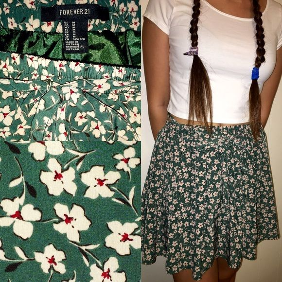 ONLY WORN ONCE! Floral skirt springtime patterned skirt, tie at the top, lining on the inside Forever 21 Skirts Circle & Skater