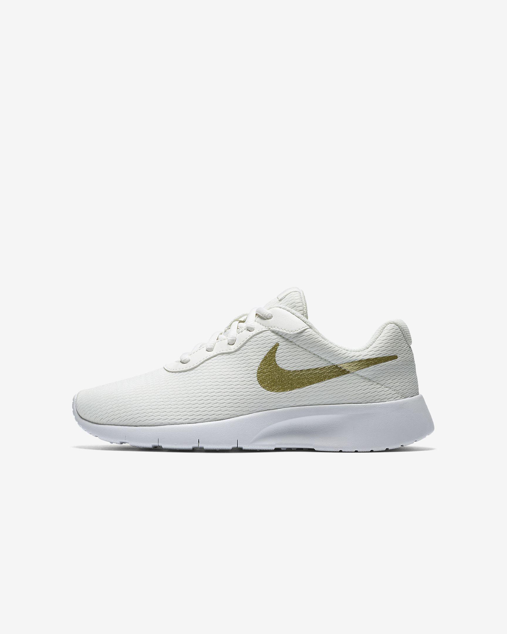 13415a6c3 Nike Tanjun Older Kids' Shoe | shoes | Sneakers nike,Shoes ja Sneakers