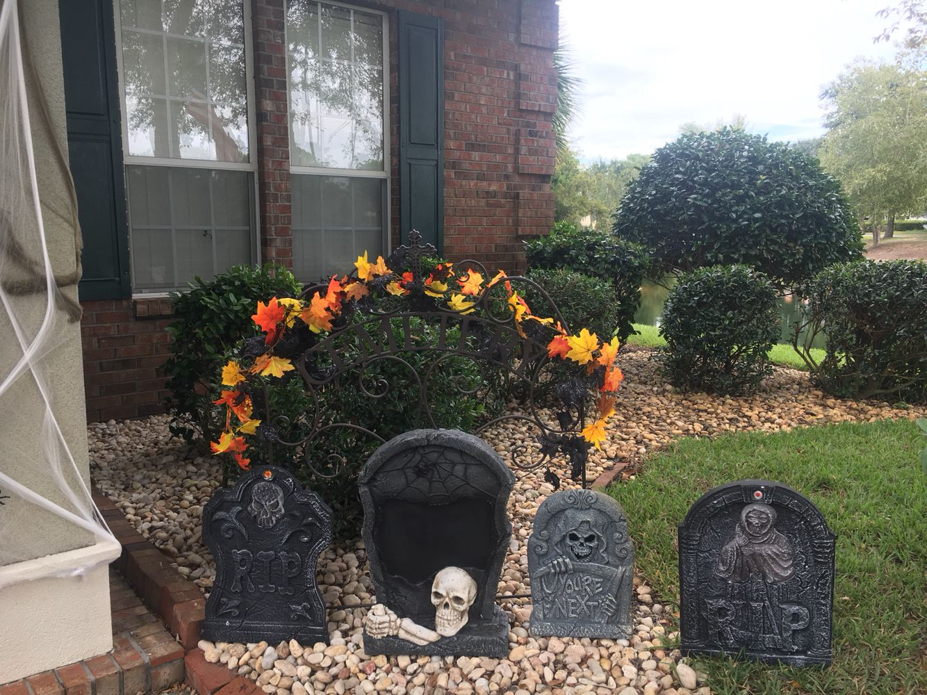 Halloween Decorations 2016 - Grave Yard, Front Porch Trick Or - front yard halloween decorations