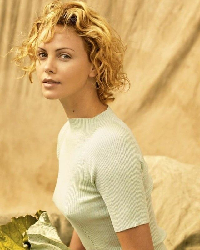 Pin by Sergey on Charlize Theron | Charlize theron hair