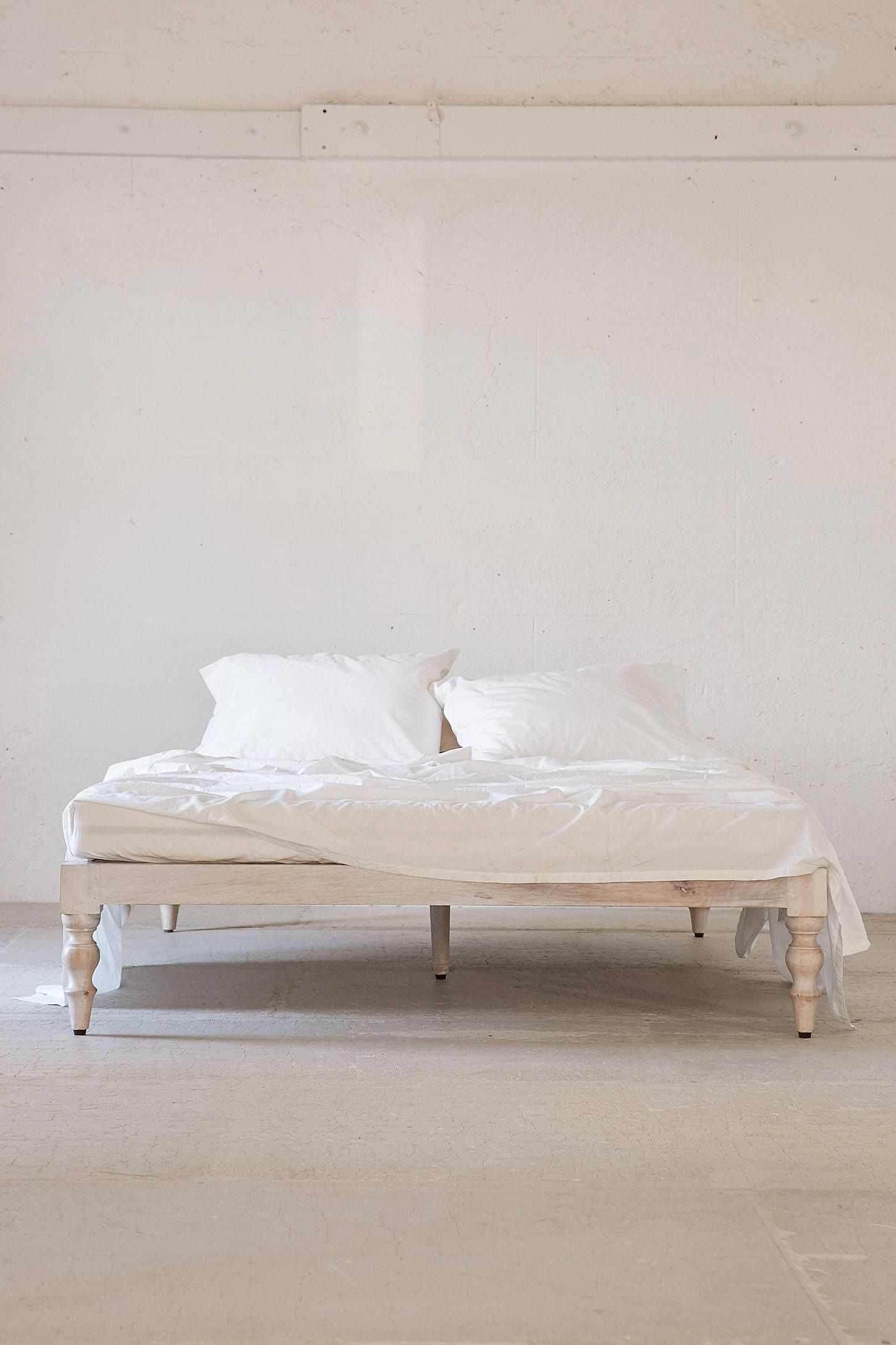 20 Of The Most Stylish Looking Platform Beds Modern Bed Frame