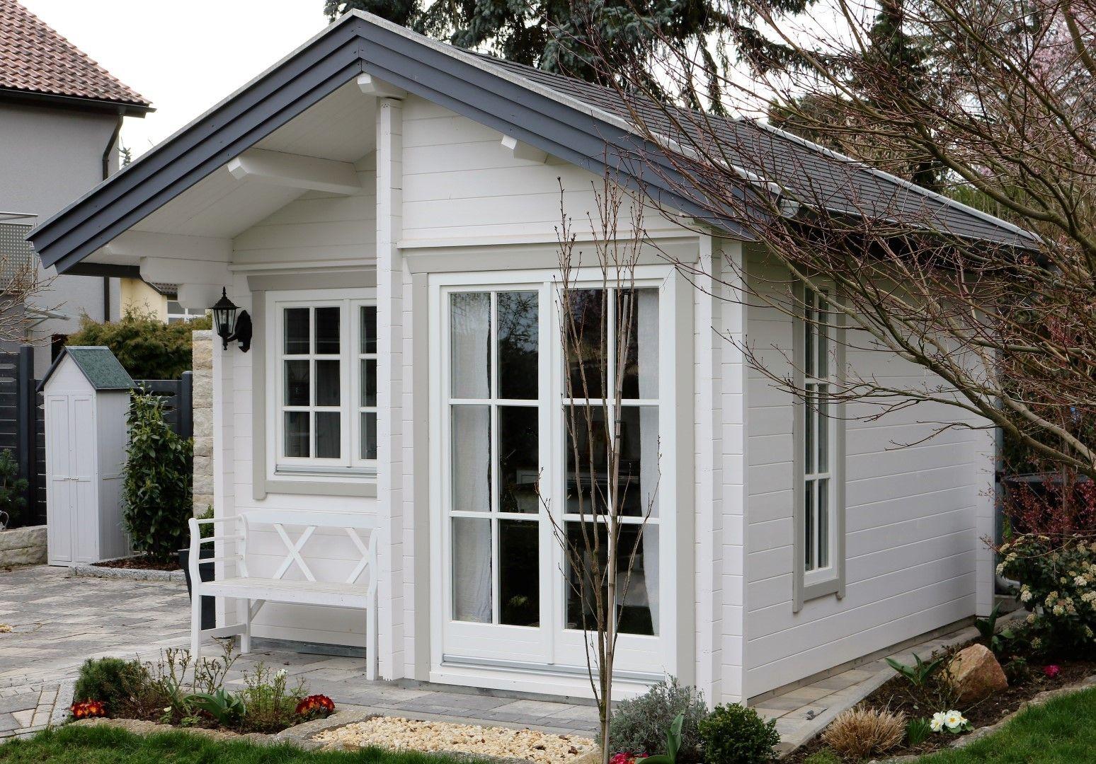 Wunderschönes kleines Gartenhaus zum verweilen. (With