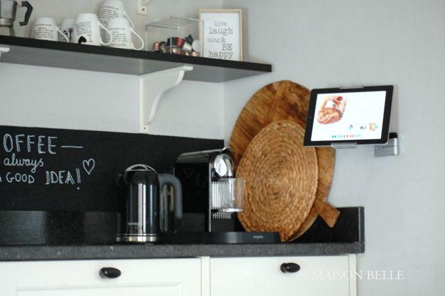 Handige ipad houder in de keiken keuken tijdloze