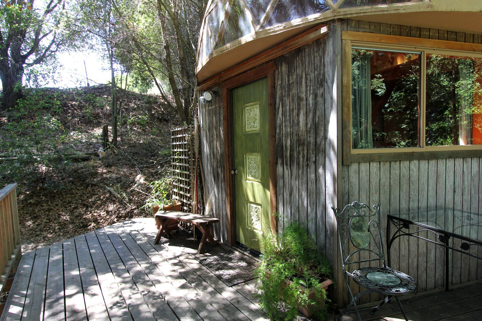 This Is The Most Popular Airbnb In The World Treehouse