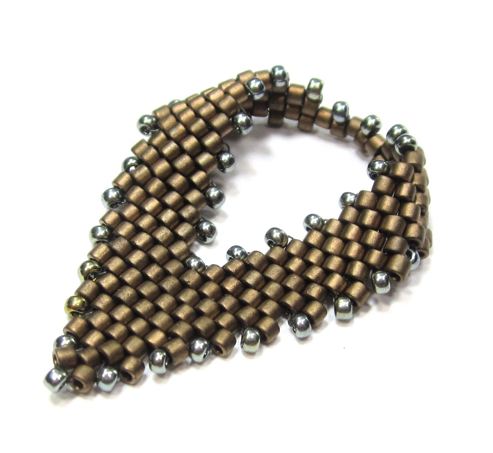 A little diagonal peyote stitch which combines increases and decreases can be worked up into a lovely little leaf shape, commonly called a Russian Leaf. Don'...