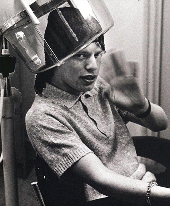Real men do spa | Jagger under dryer