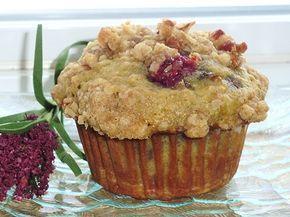 J'ai aperçu ces beaux muffins chez Nancy . De son côté, elle avait utilisé des bleuets. Comme pour Nancy, ces muffins sont également un cou...