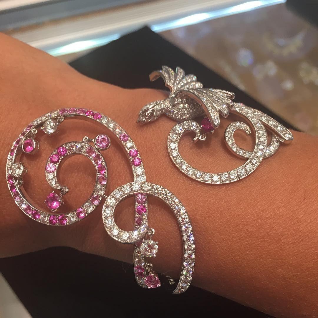 VAN CLEEF AND ARPELS Oiseaux de Paradis Bracelet................#forsale #vancleefarpels #vca #vancleefandarpels #signedjewelry