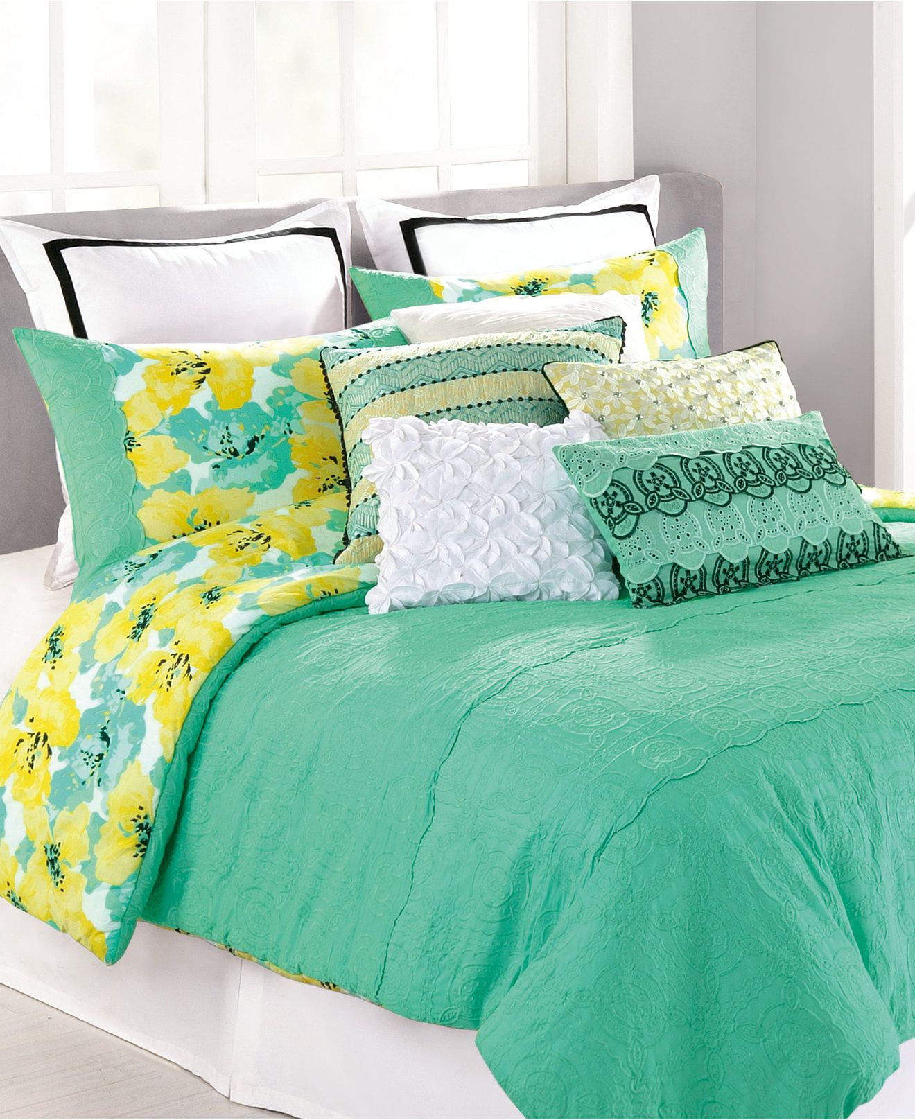 Closeout Nanette Lepore Villa Cottage Fresh Comforter And