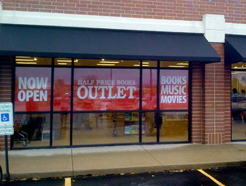 Half Price Books Outlet At American Plaza Rockford Illinois Price Book Book Outlet Rockford