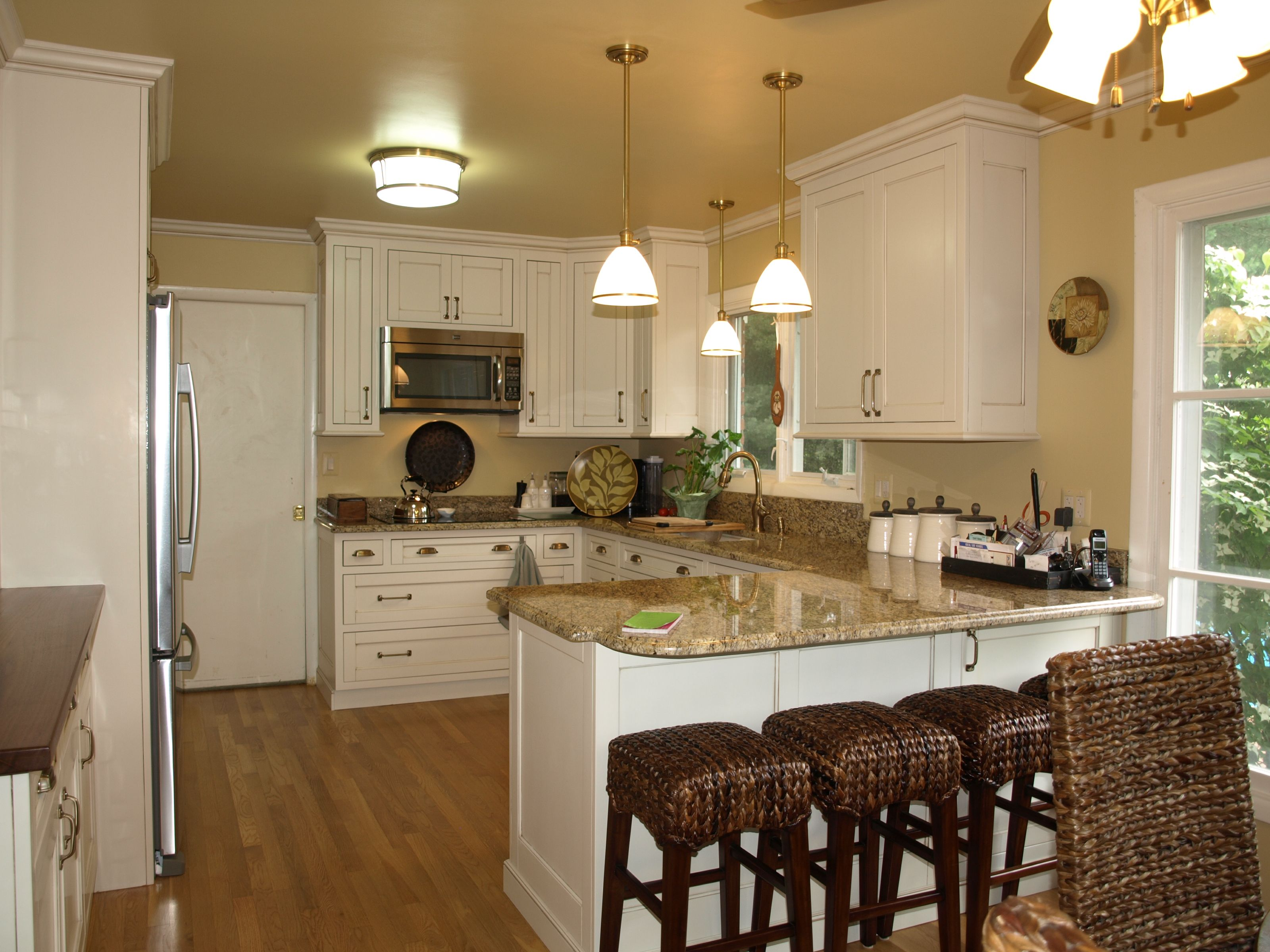 Lowes Show Kitchen Google Search Peninsula Kitchen Design