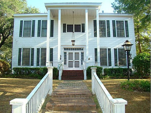 Cause Jefferson Needs Another B 1851 Greek Revival Jefferson Texas 185 000 Greek Revival Renting A House Antebellum Home