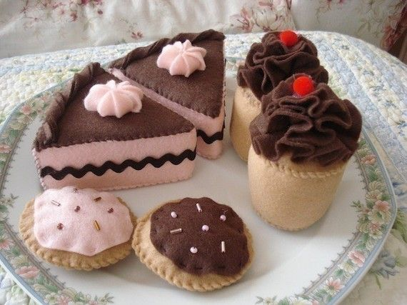 Chocolate Strawberry Felt Dessert Set