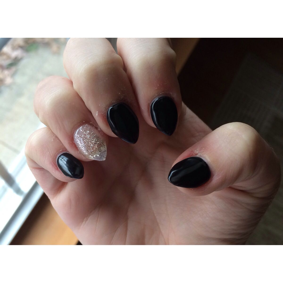 Pointed Or Sharp Black Acrylic Nails With Glitter