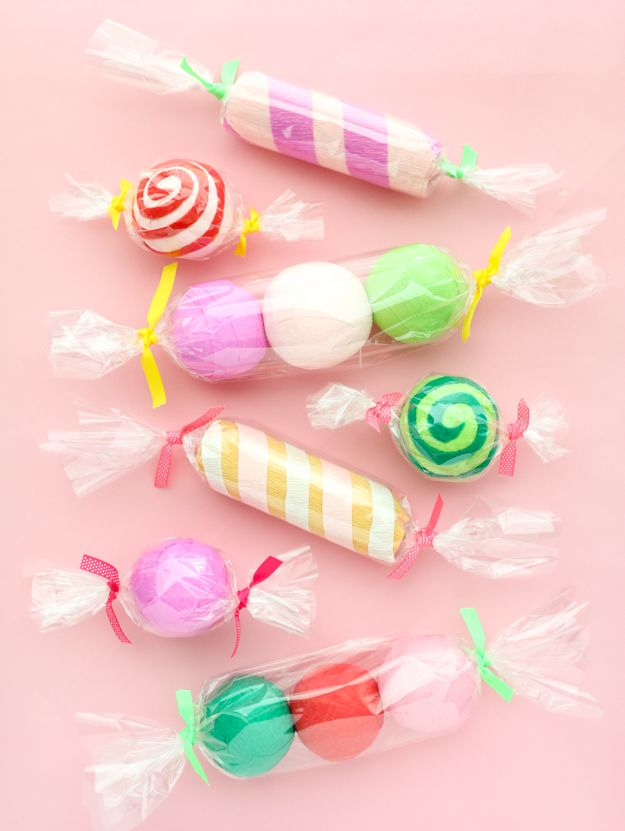 DIY It - Candy Surprise Ball Advent Calendar Advent calendars