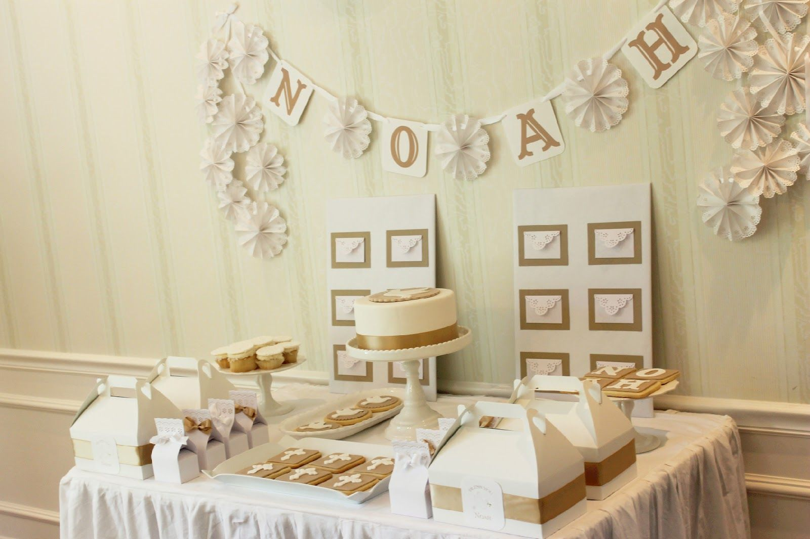A Simple And Clean Table Display  Great For A First Communion Party
