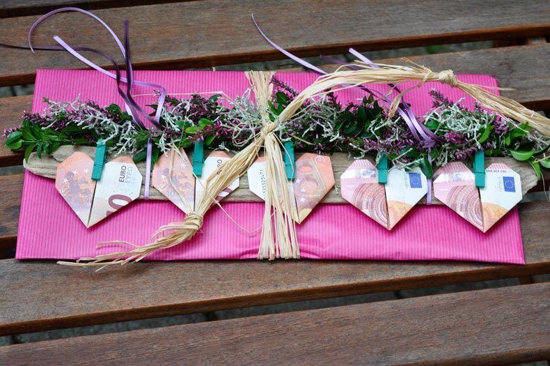 Geld Geschenk Idee Zum Selbermachen Gesucht Speziell F R Hochzeit Oder Geburtstag Vielleicht Geldscheine An Eine Selbermachen Geschenke Geschenke Geschenkideen