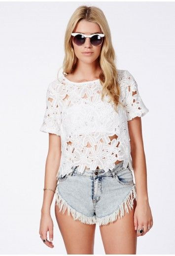 86f3017236f33 Missguided - Pavla Crochet Floral Shell Top