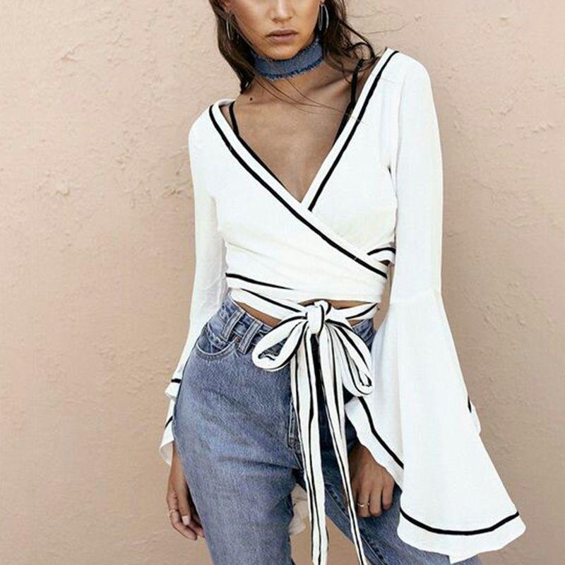Cheap Abrigo blanco blusa sexy V cuello Bell manga Cruz vendaje crop tops  mujeres verano 2018 ccecce9910e
