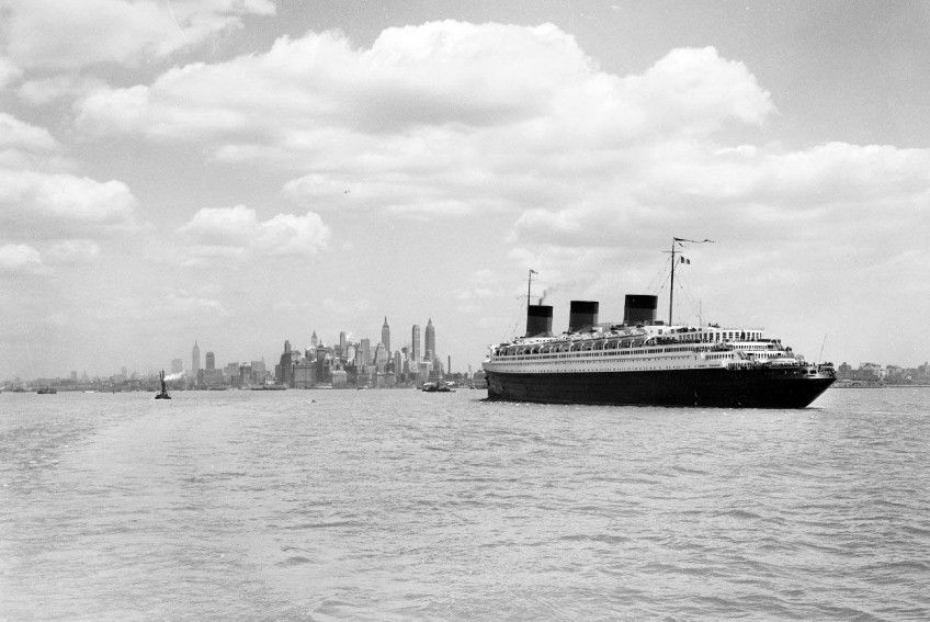 SS-Normandie-ca.-1935-1941-One-of-the-most-beautiful-Ocean-Liners-ever-built-in-Art-Deco-Style.-Renamed-to-USS-Lafayette-in-WWII