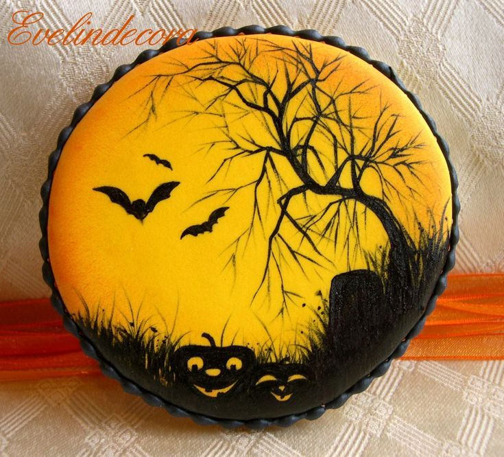 Halloween biscotti decorati con ghiaccia reale dipinti #halloweencookiesdecorated
