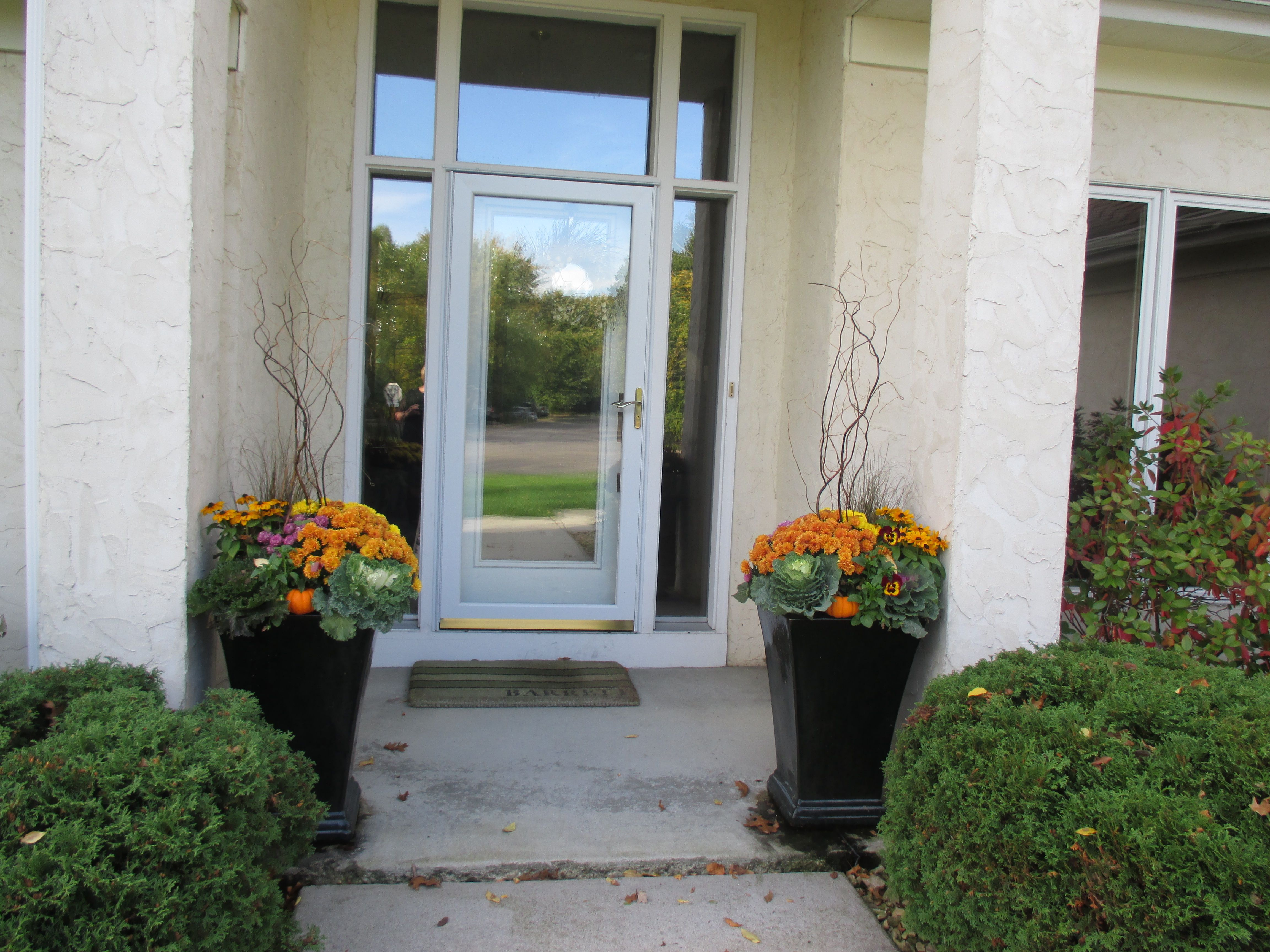 at a residential property in Eagan by Barrett Lawn Care.Fall at a residential property in Eagan by Barrett Lawn Care.