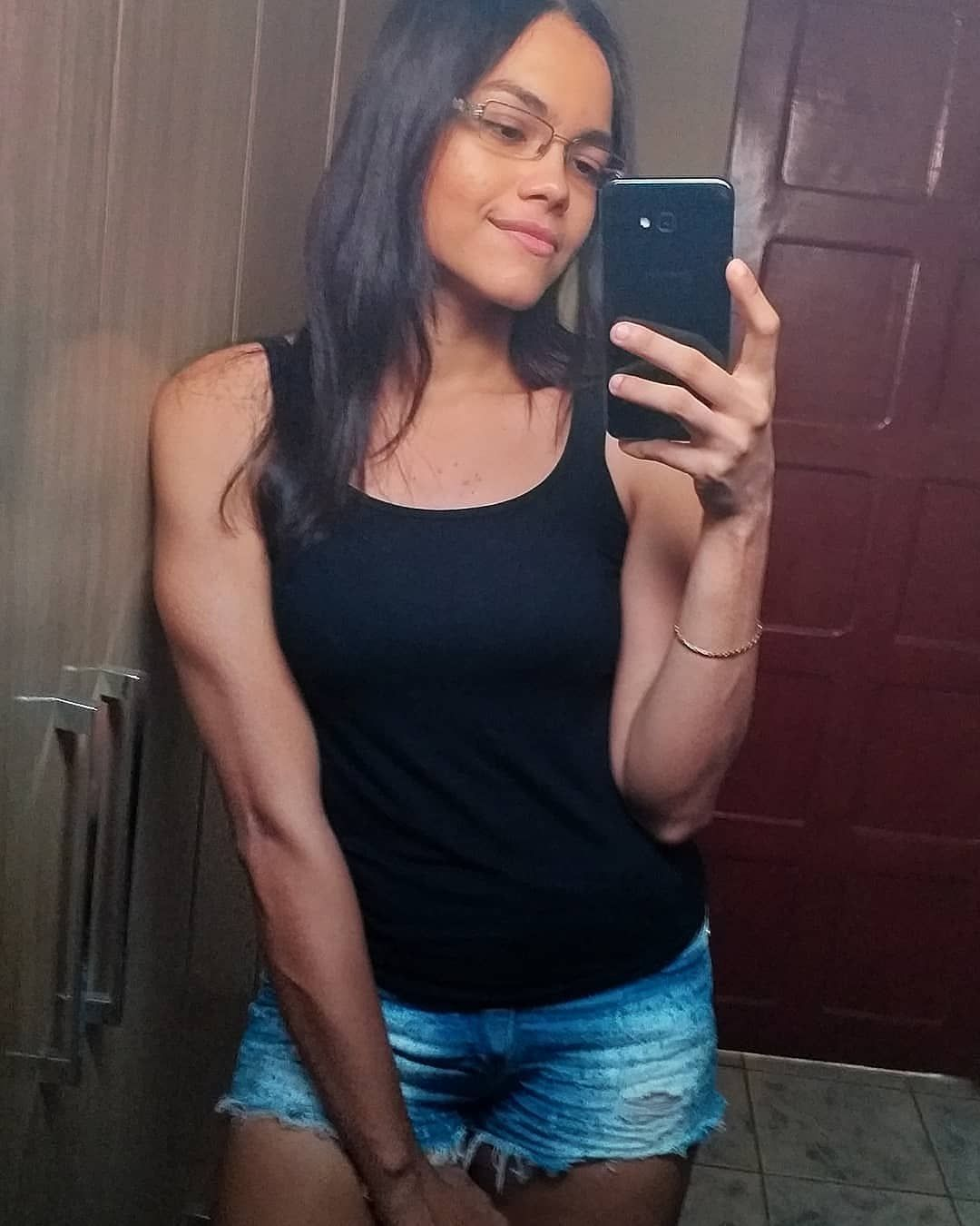 'Stark ist der neue Skinny ☺️. . . . . . . . . . . . . . #bulking #Fitnessstudio #Fitness #trainiere...