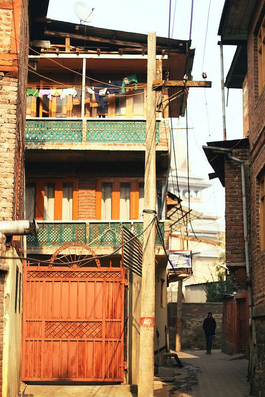 Srinagar, Kashmir by Liisa Toomus