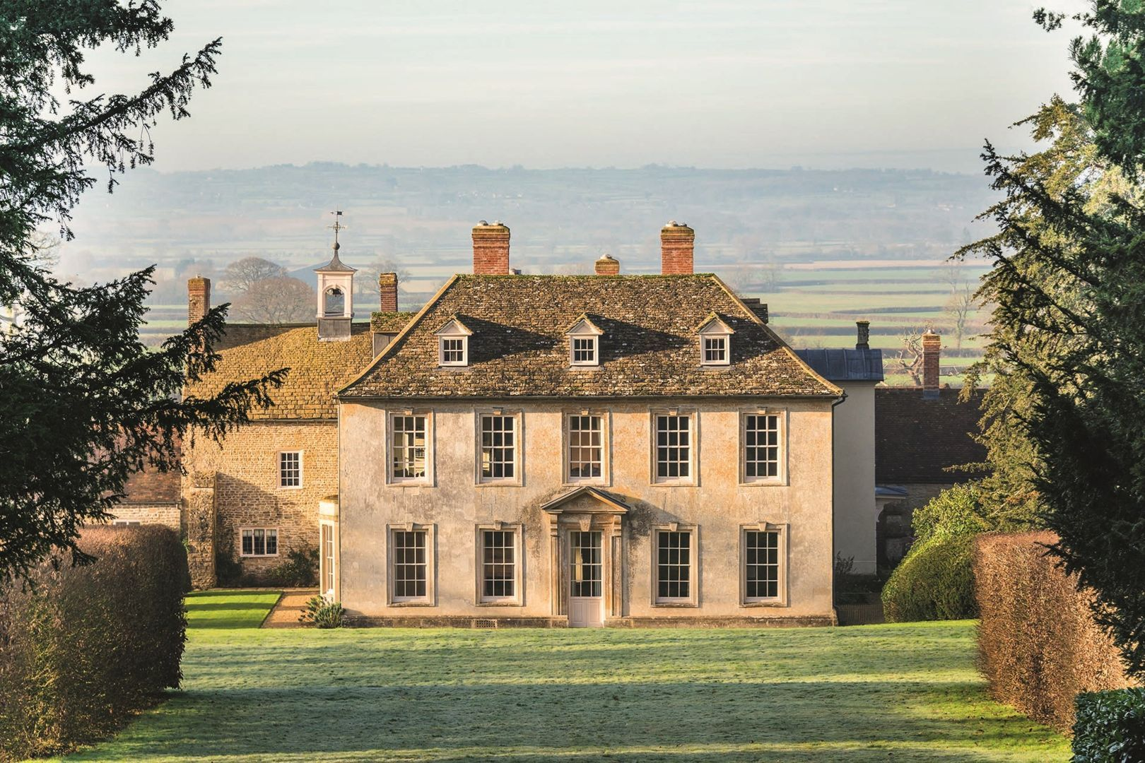 Large Country Houses To Rent And Party Houses To Hire In Britain