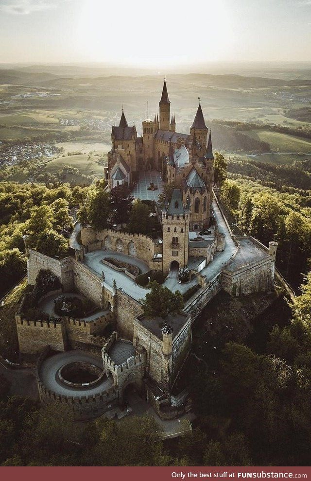 Hohenzollern Castle Germany Funsubstance Germany Castles Hohenzollern Castle Fantasy Castle