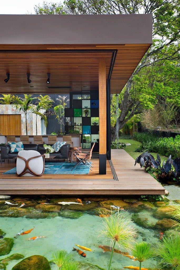 Casa brasileira a casa do lago de otto f lix piscina for Carpas para piscinas