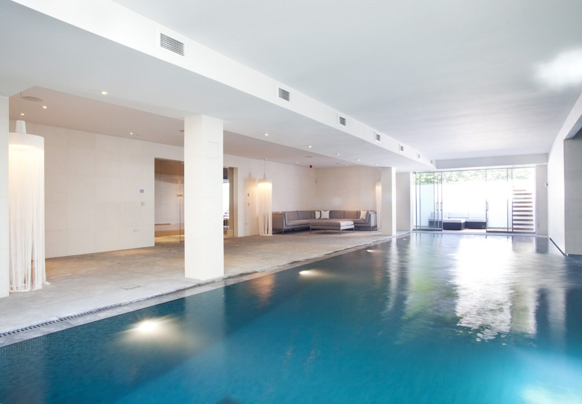 Indoor basement swimming pool wimbledon swimming pool for Basement swimming pool ideas