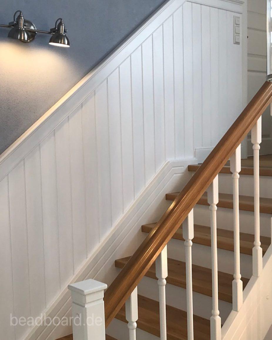 Treppenverkleidung Wandpaneele Wandvertafelung Holzpaneele Dekoliebe Landhausliving Inneneinrichtung Interiordesign W Treppe Haus Treppenhaus Treppe