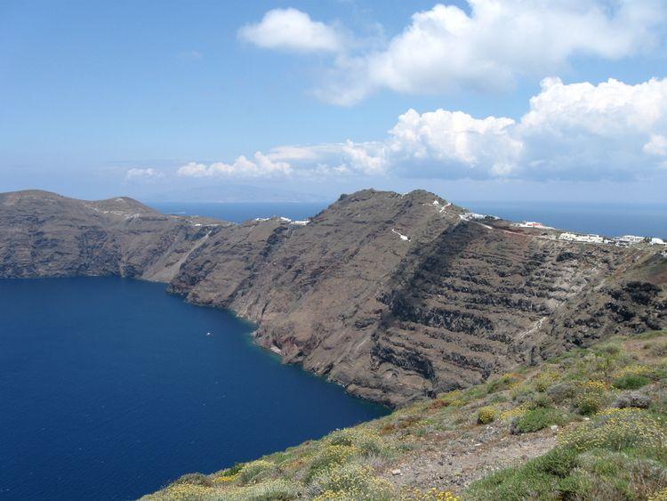 Santorini, Greece: Hiking — TANGO IN TAHITI TRAVEL